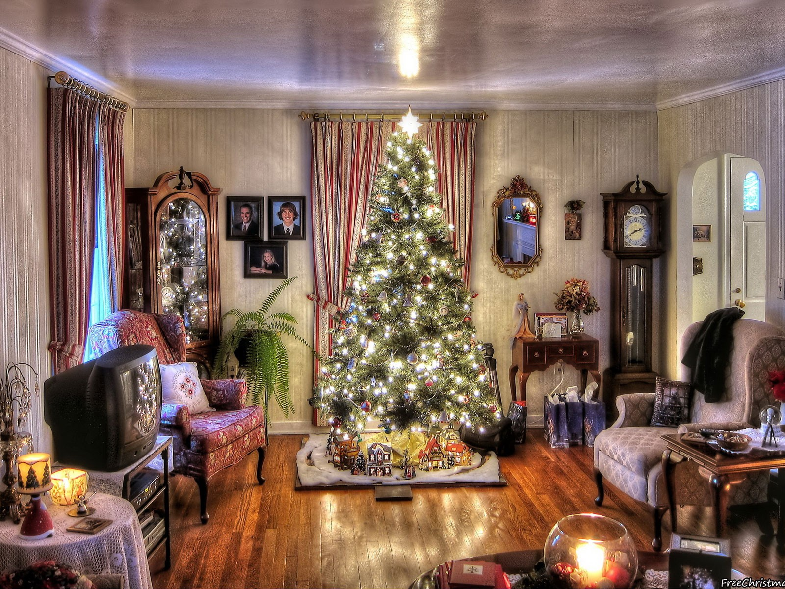 Ideas For Decorating A Christmas Tree