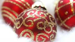 Fancy Red Ornaments