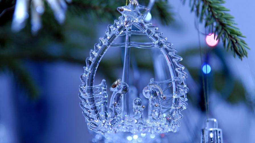 Glossy Christmas Ornament